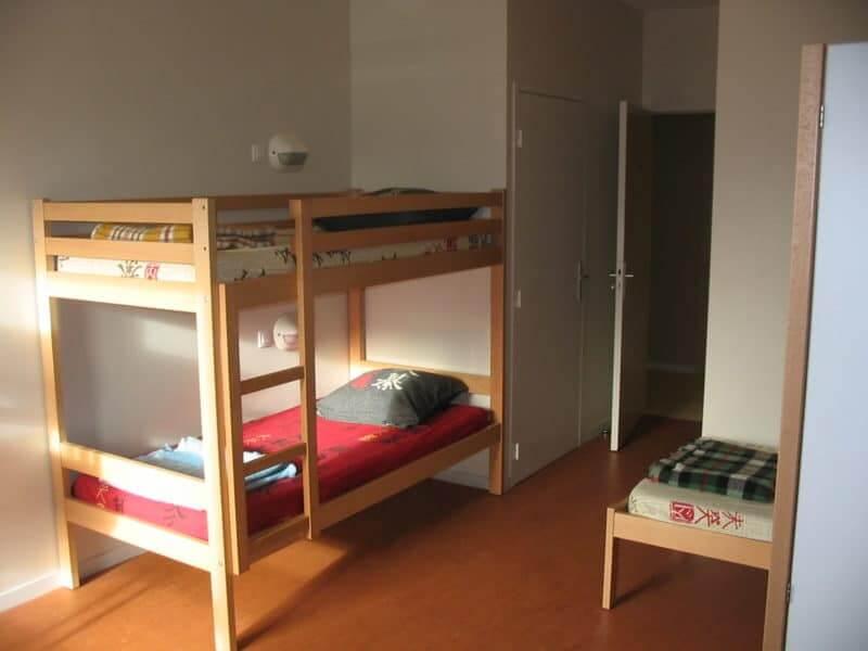 Chambres ) 4 lits avec sanitaires privatifs à Mézières sur Couesnon