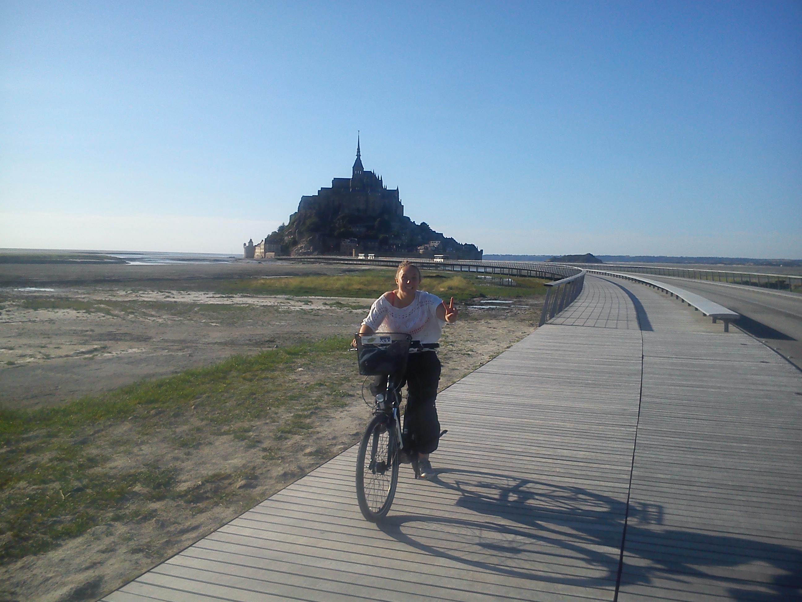 Vélo sur le pont passerelle du Mont
