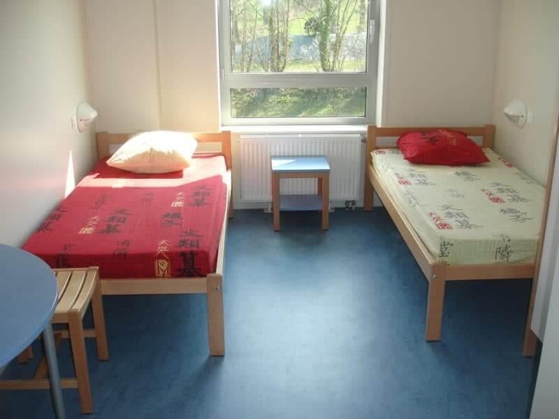 chambre 2 lits Mézières