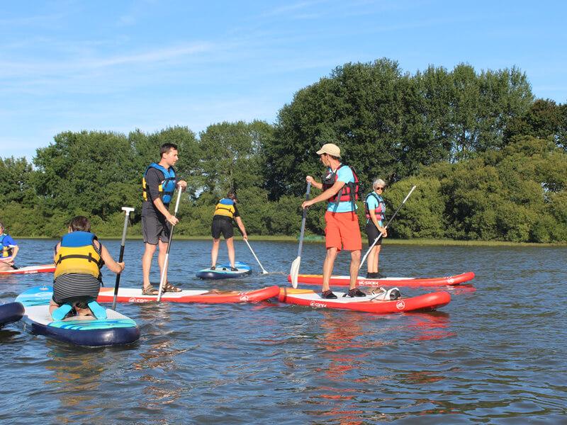 stand up paddle sur l'étang d'ouée , avec liffré cormier communauté